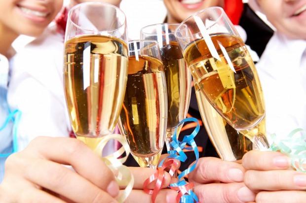 Днепропетровцев предупредили о новогодних фейерверках и культуре пития