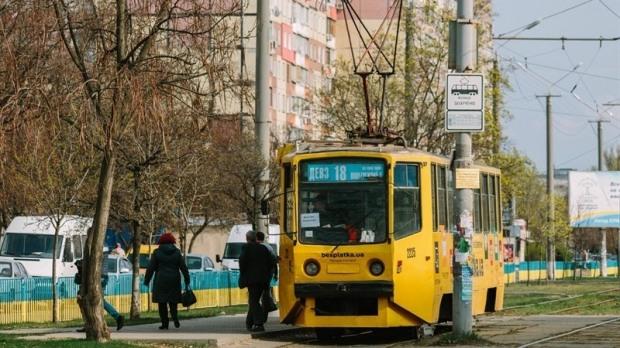 В Днепре приостановится движение двух троллейбусов и трамвая