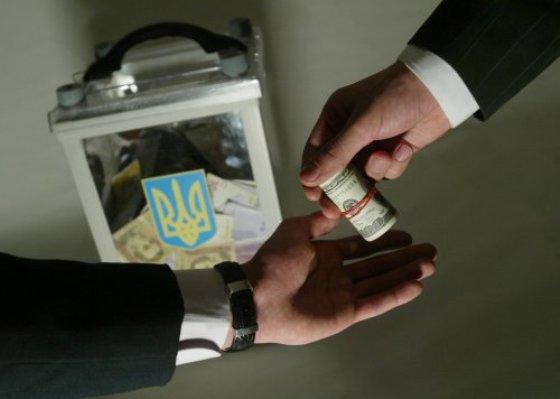 ЦИК просит правоохранителей разобраться: был ли массовый подкуп избирателей в Днепропетровске