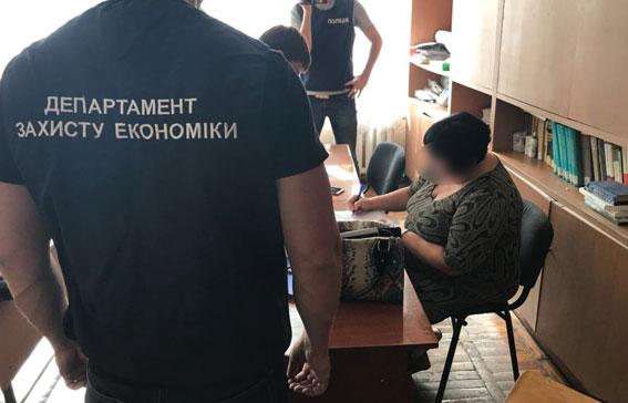 Завкафедры экономического института «продавала» зачеты и экзамены оптом
