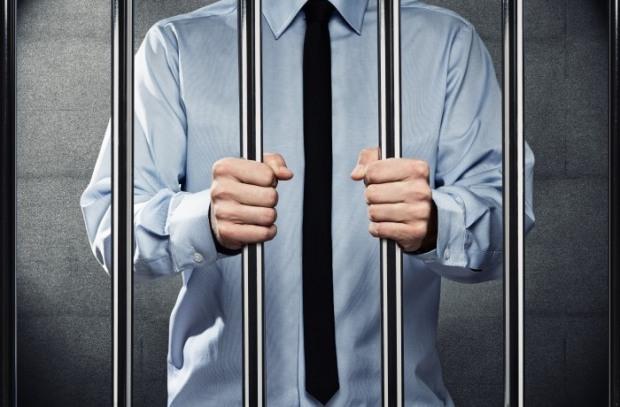 Днепропетровский налоговик с «двухмиллионной» взяткой ждет суда