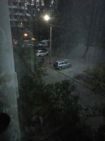 Самоубийство в Днепре: парень перерезал вены и выпрыгнул с 16-го этажа