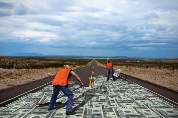 В Днепре разворовали стройматериалы для ремонта дорог на 8 млн гривен