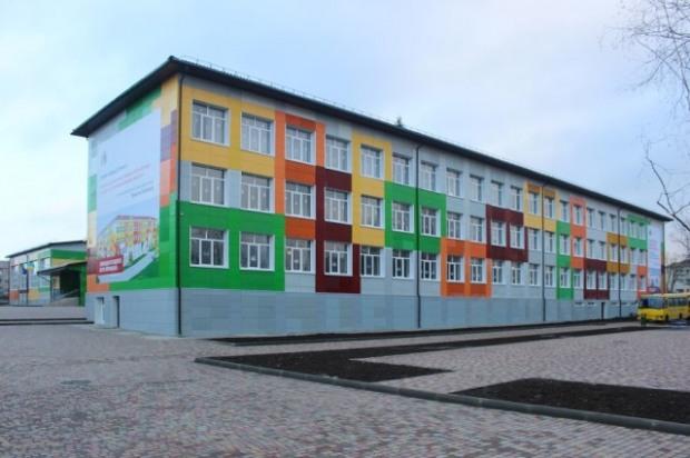В Соленом завершили первый этап реконструкции опорной школы
