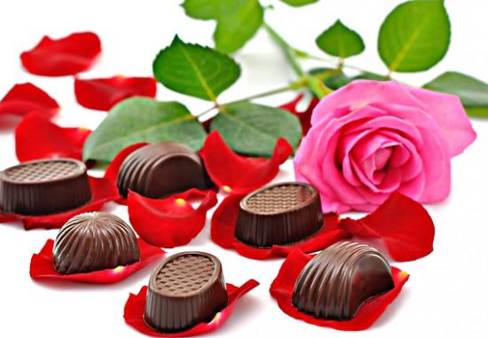 Школьников, студентов и преподавателей просят поддержать букетно-конфетную инициативу
