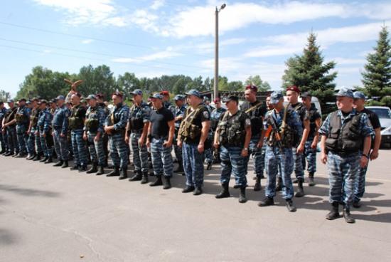 Днепропетровскую милицию и экс-«Беркут» отправили в зону АТО