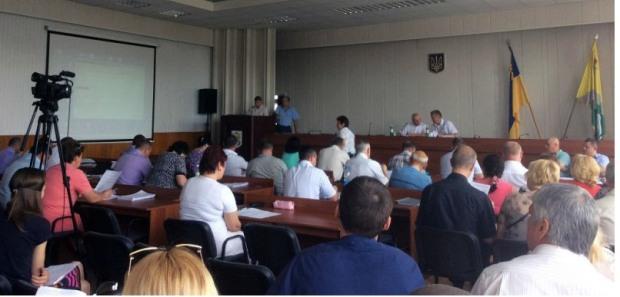 В Павлограде депутаты «со скрипом» утвердили результаты конкурса по вывозу мусора
