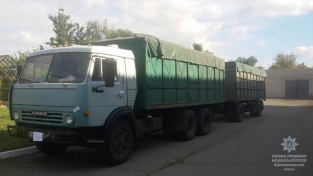 В Днепропетровской области украли «КамАЗ» семечек