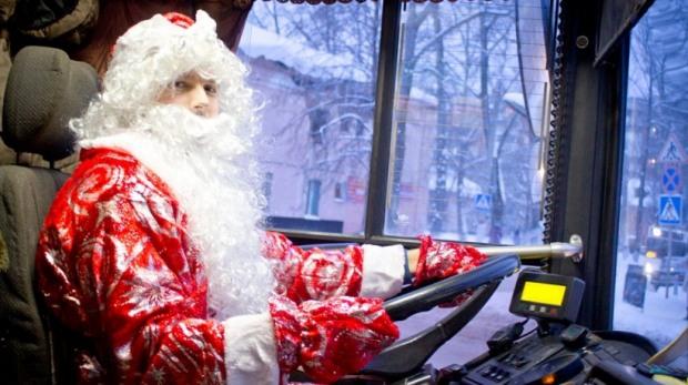 Как будет работать общественный транспорт Днепра в праздничные ночи