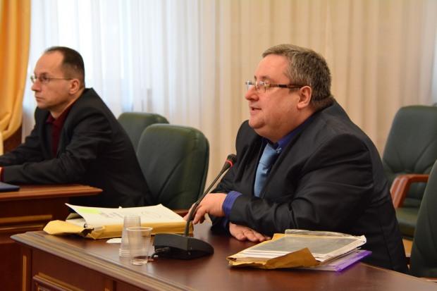 В Днепре по представлению прокуратуры освободили от должности судью из окружения Максима Романенко