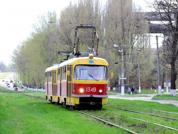 В последний день апреля в Днепре изменят движение четырех трамвайных маршрутов