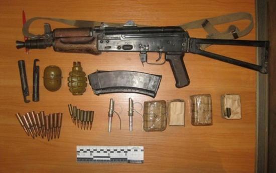 В Днепропетровске задержали мужчину с оружием