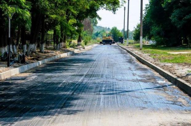 В Покрове на Днепропетровщине ремонтируют четыре улицы