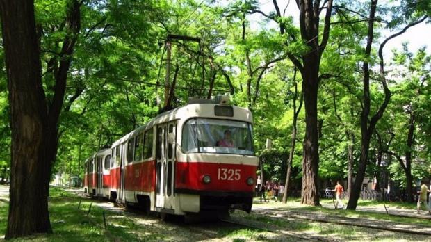 Сегодня в Днепре трамваи нескольких маршрутов изменят свое движение