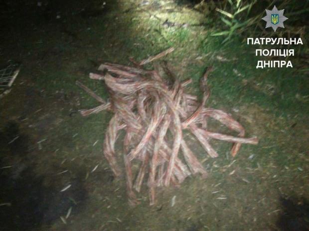 В Днепре 4 мужчин выжгли около 70 килограмм кабеля