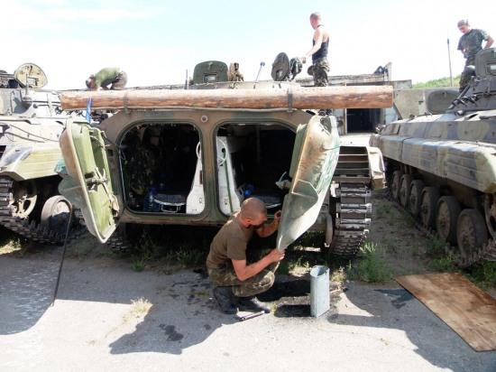 На Днепропетровщине технику прошлого приводят в боеготовность