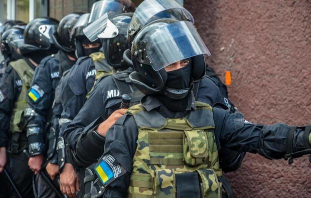 Избиением работников Житомирской кондитерской фабрики руководили бывшие «беркутовцы», которые разгоняли Майдан