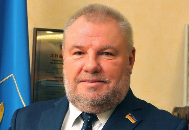 Новий заммера Дніпра придбав за дві гривні два автомобіля