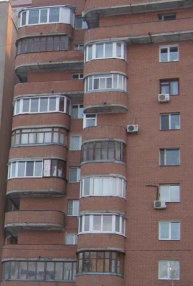 Мешканці більшої половини домогосподарств області задоволені житловими умовами – опитування