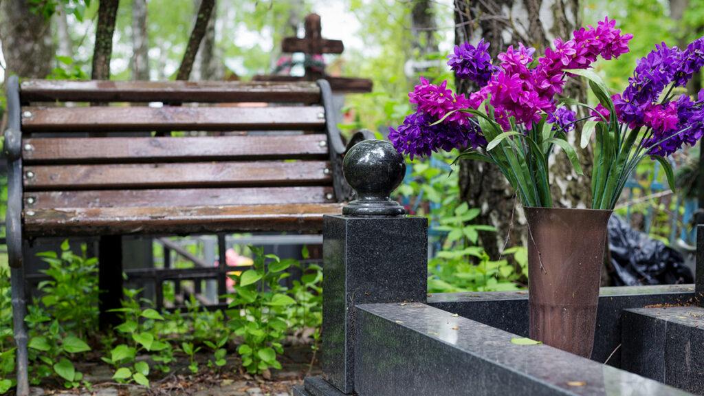 Карантин послаблено: мешканці Нікополя можуть прийти на кладовище