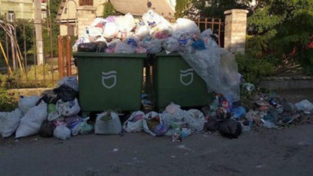 Мерія Дніпра змушує містян переплачувати за вивіз сміття 35 мільйонів гривень на рік