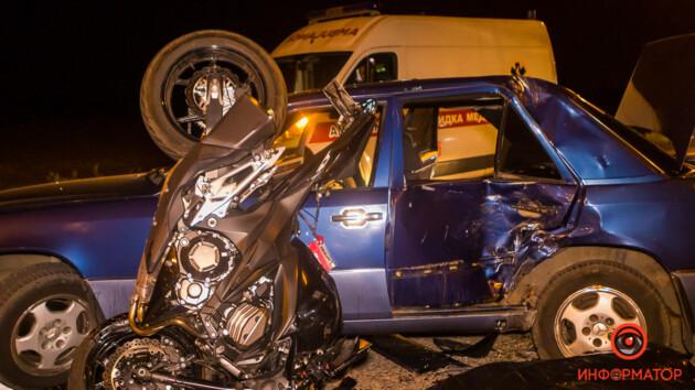 У Дніпрі сталася смертельна ДТП: фото і відео з місця аварії