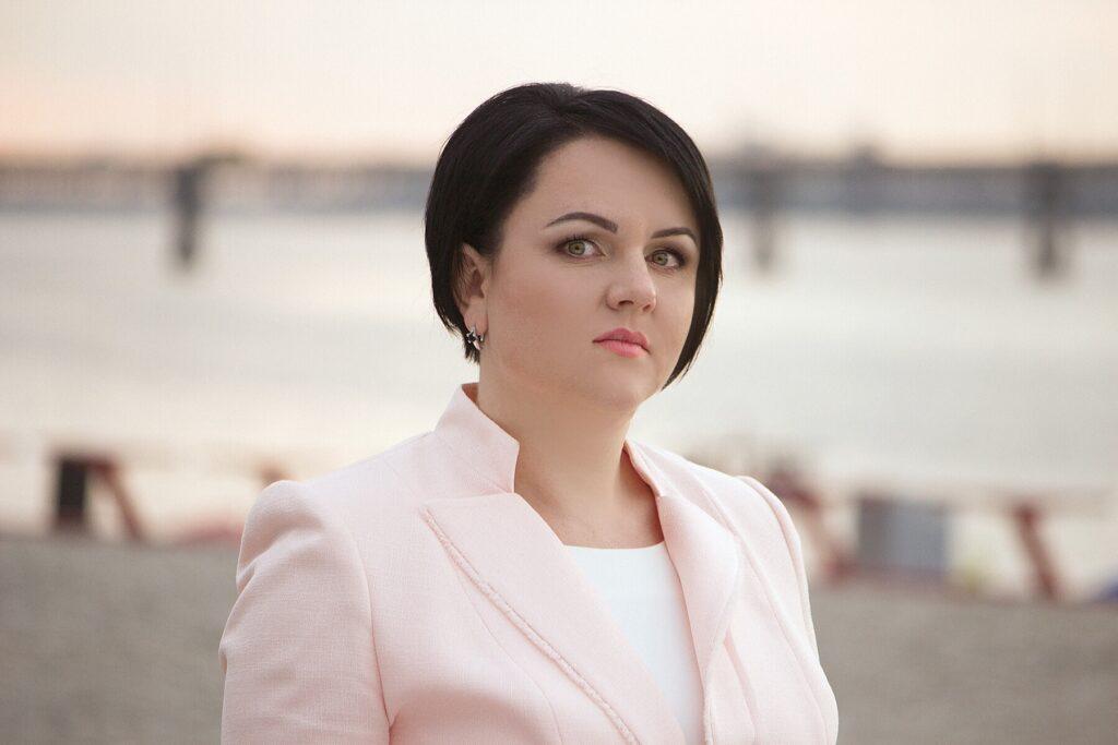 На COVID-19 захворіла екс-голова податкової Дніпропетровщини