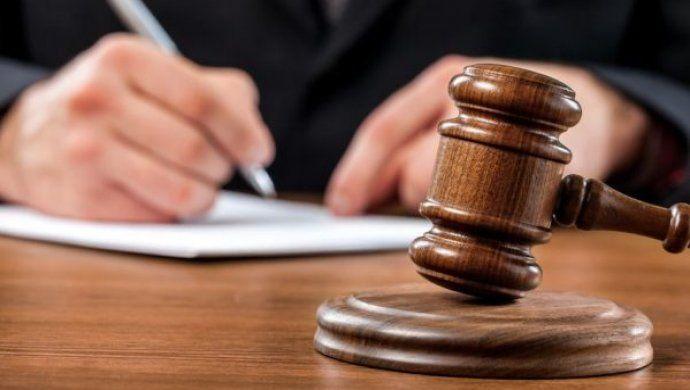 На лаві підсудних опинилась 21-річна дівчина, яка робила «закладки» наркотиків та психотропів