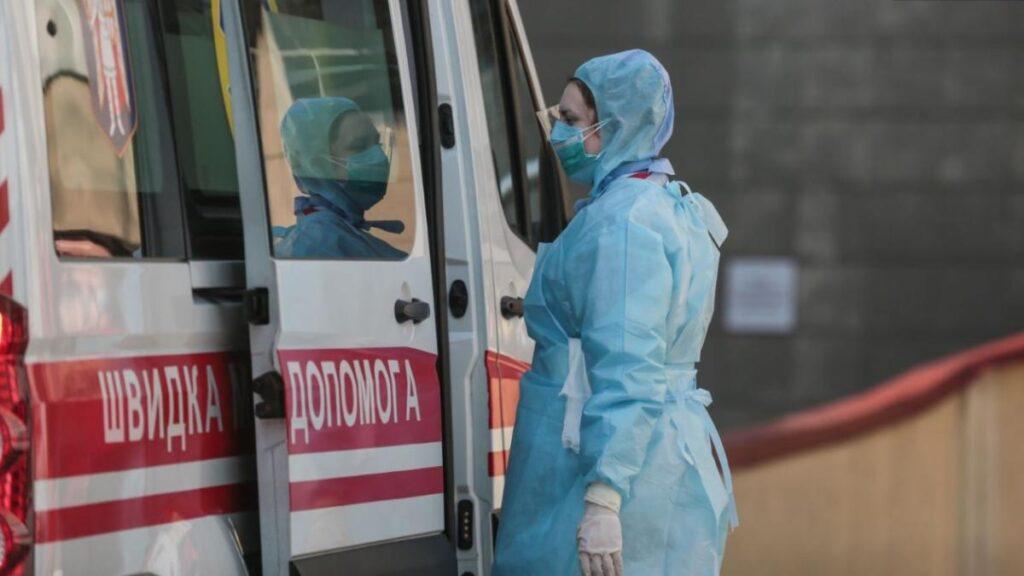 У Дніпрі не вистачає медиків для СOVID-пацієнтів