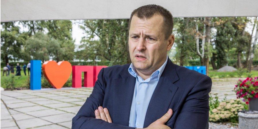 Місцеві вибори-2020: рейтинг чинного мера Дніпра Філатова повільно, але впевнено падає