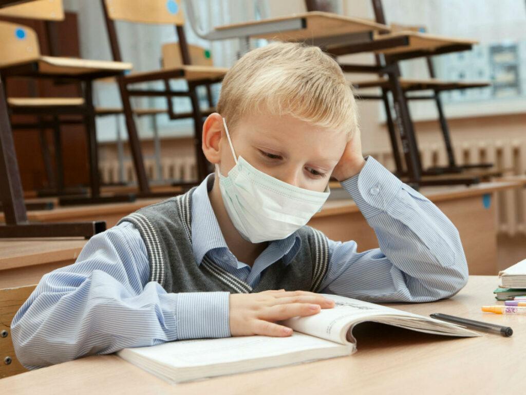 На самоізоляції перебувають 3.904 учнів Дніпропетровщини