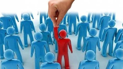 У рейтингу партій на місцевих виборах лідирує «Слуга народу», на другому місці ОПЗЖ