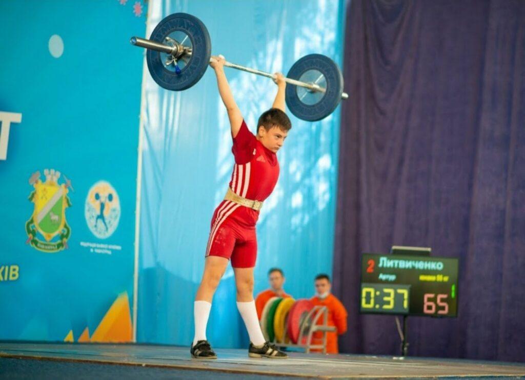 Спортсмени Дніпропетровщини вибороли 6 медалей на чемпіонаті України з важкої атлетики