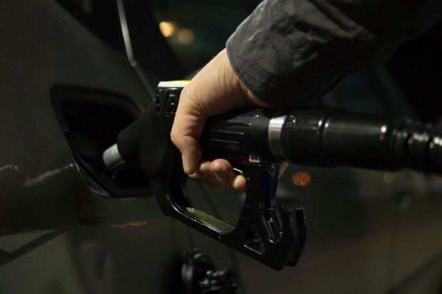 На Дніпропетровщині продовжують знижуватися обсяги продажу бензину та автогазу