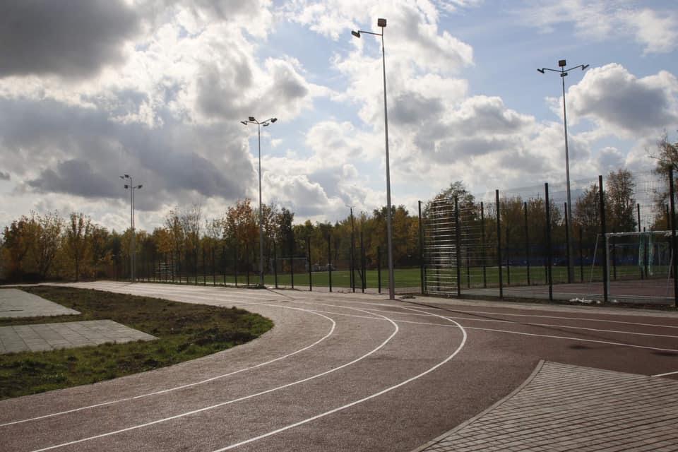 У Жовтих Водах завершується будівництво нового стадіону
