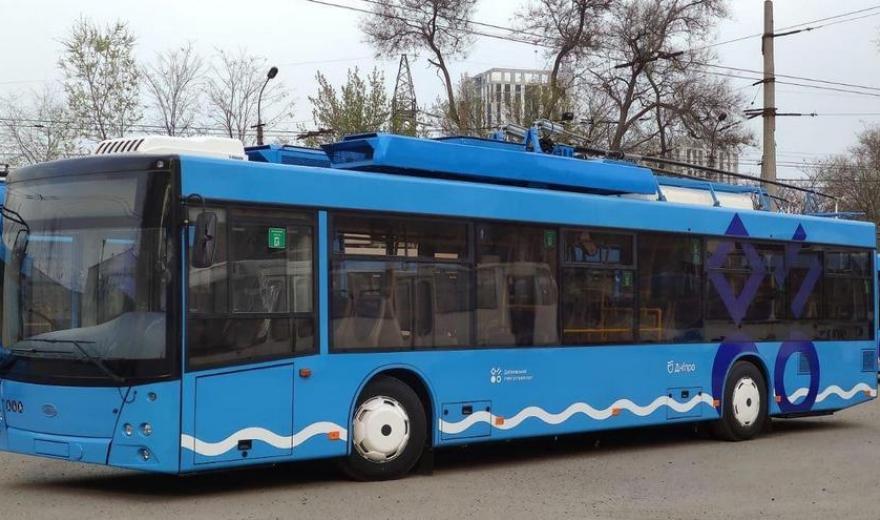 У Дніпрі пасажири жаліються на новий тролейбусний маршрут, на якому піарився Філатов