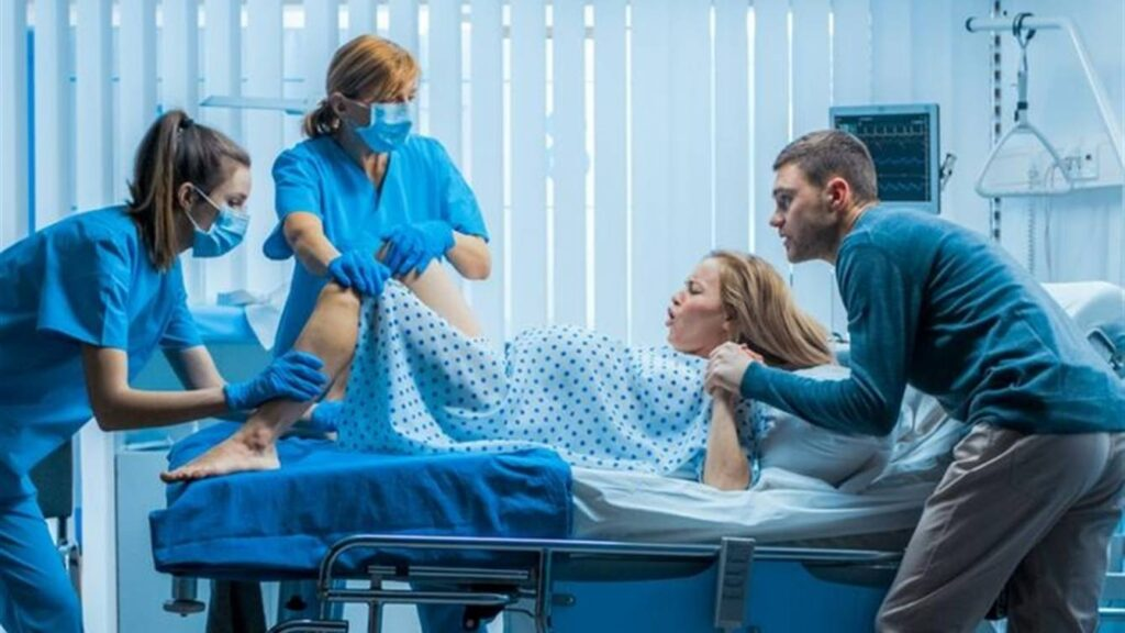 В лікарні ім. І. І. Мечникова у мами з COVID-19 народилася здорова дівчинка