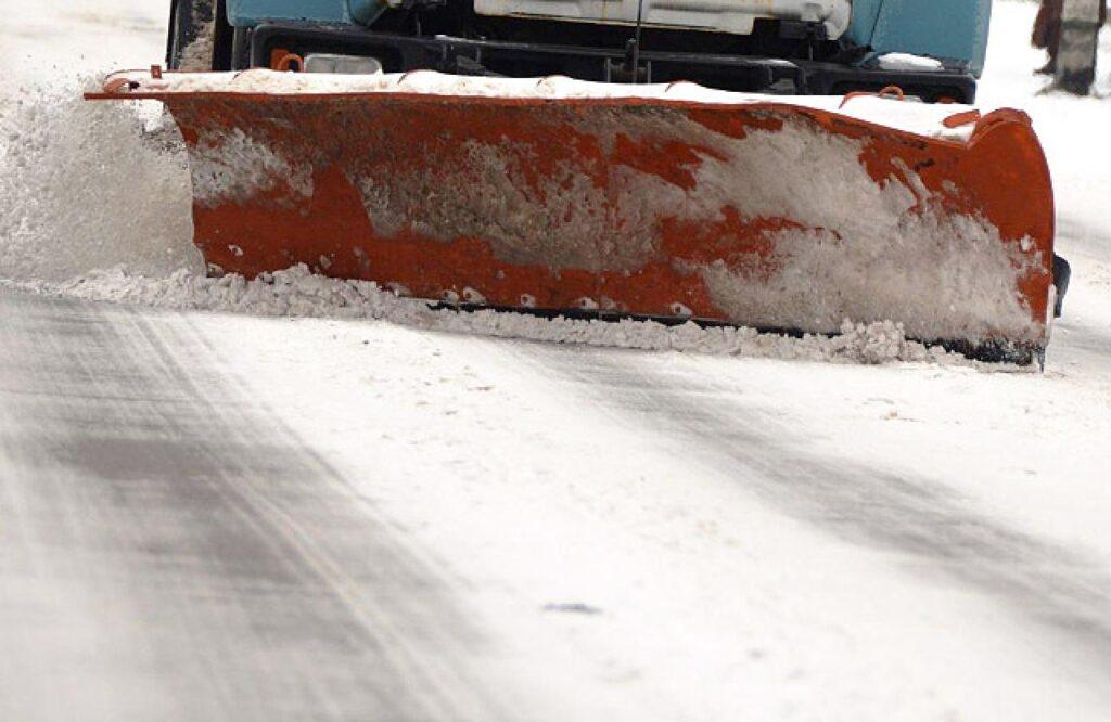 Снігоприбиральна техніка Дніпропетровщини готова до зимового сезону
