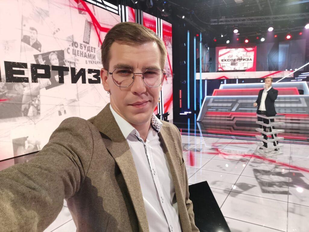 """""""Приходьте і виносьте Борю з крісла"""", – політконсультант Сергій Биков"""