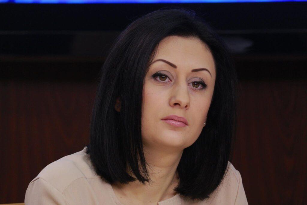 Катерина Збарська: все, що треба знати про адмінресурс