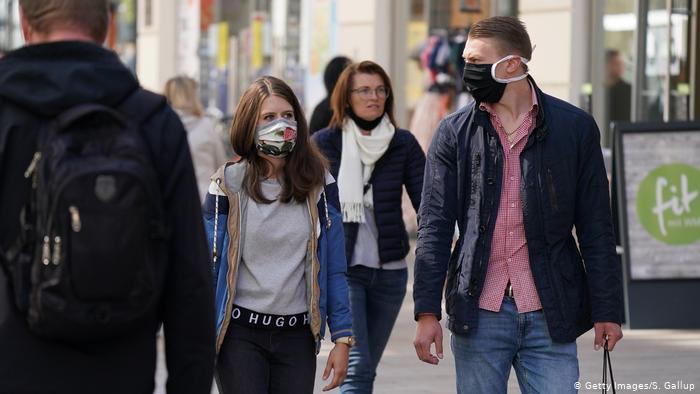 Що рекомендують робити дніпровські медики на вулиці в пандемію