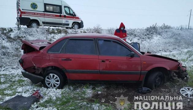 Поліція розслідує, чому перекинулось авто спостерігачів ОПОРИ (фото)