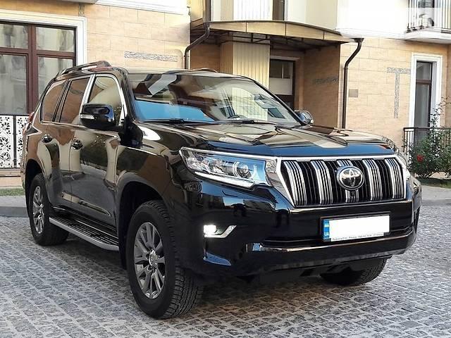 Дніпровські криміналісти на роботу в звичайних авто не їздять