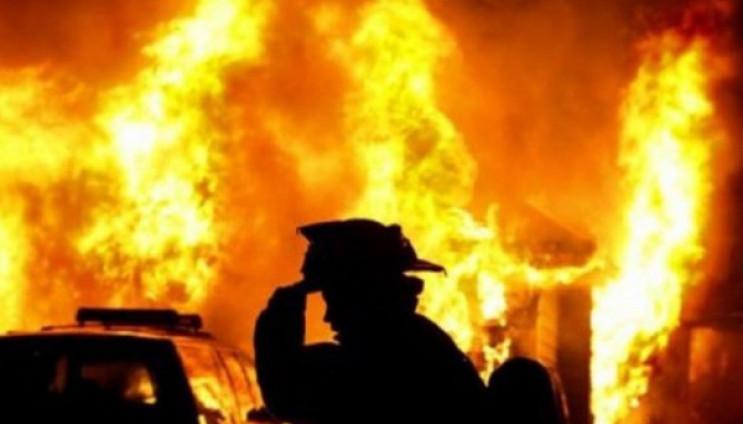 Пожежа на агрегатному заводі в Дніпрі: вогнем знищено 400 кв. метрів (фото)