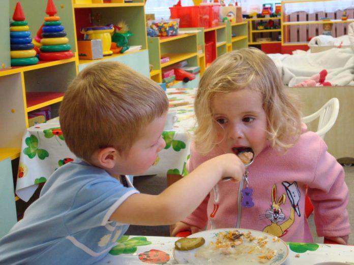 У Павлограді подорожчає харчування дітей у садочках і школах