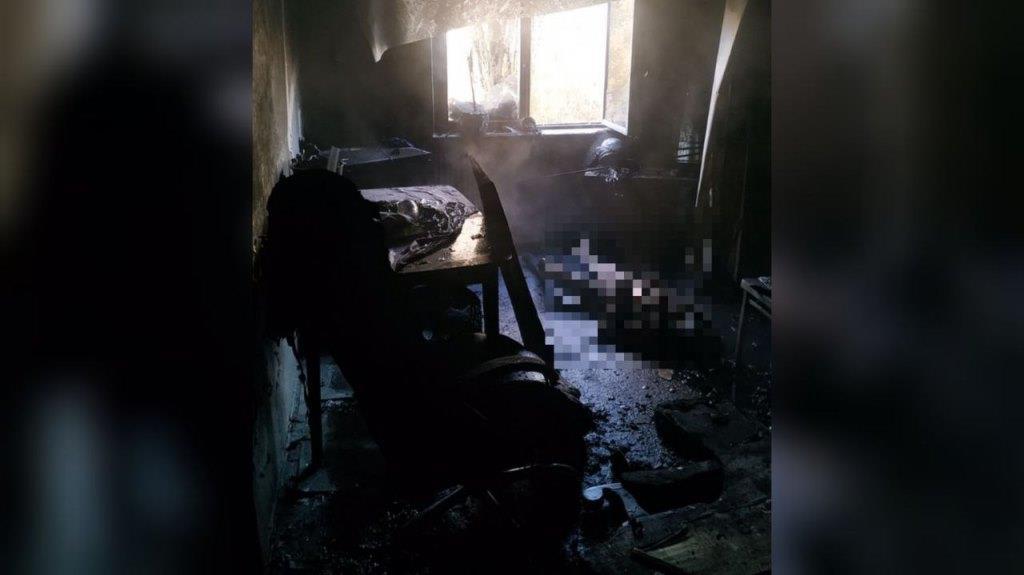 У Дніпрі на проспекті Героїв горіла квартира у багатоповерхівці: загинула жінка