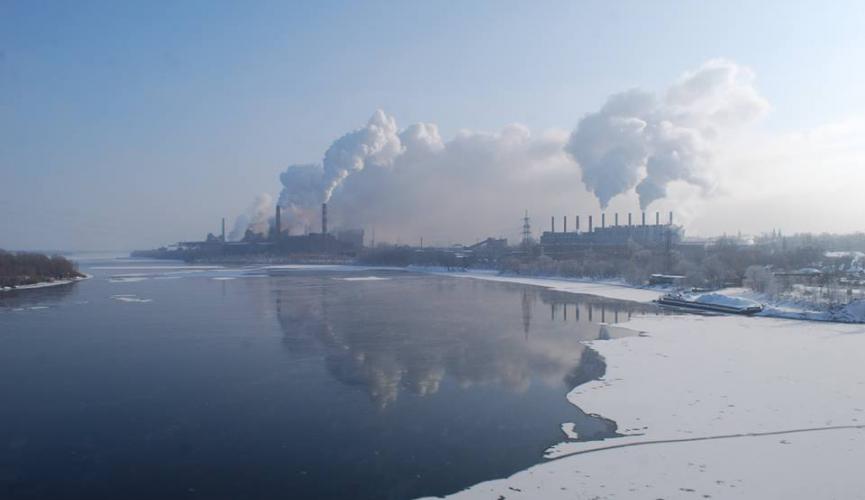 У Кам'янському працює мобільний центр екологічного моніторингу повітря (фото, відео)