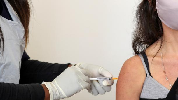 В Україні у 5 етапів проведуть масову вакцинацію від COVID-19