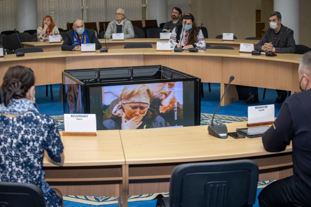 Дніпровські активісти згадали події Революції Гідності у будівлі ОДА