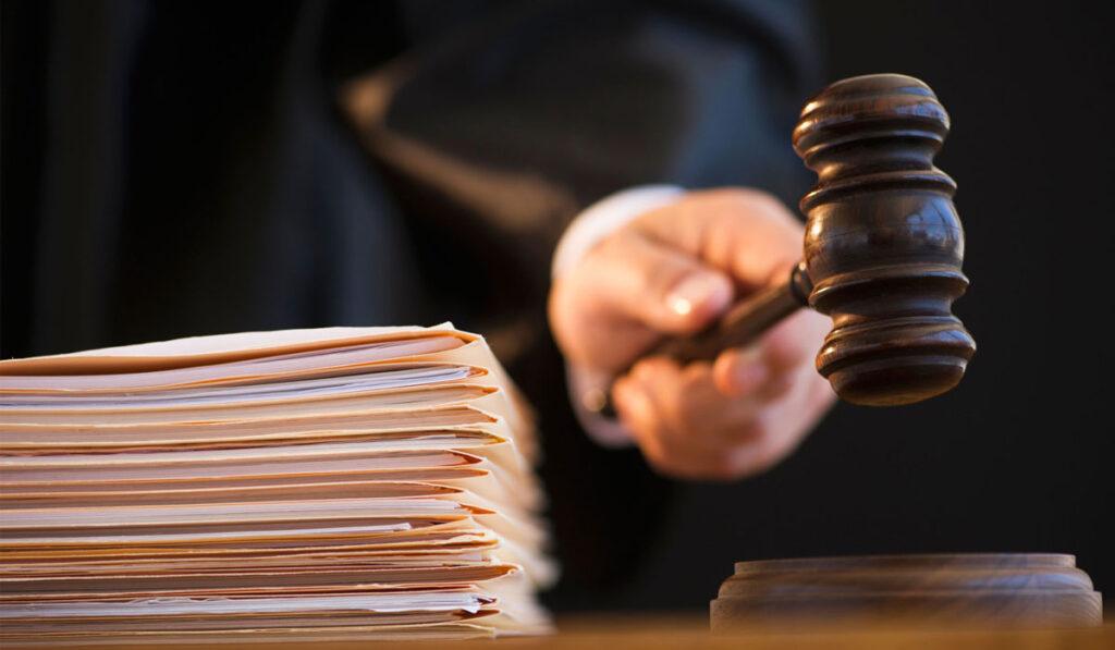 «Правиця» Гуфмана йде до суду за комунальні борги